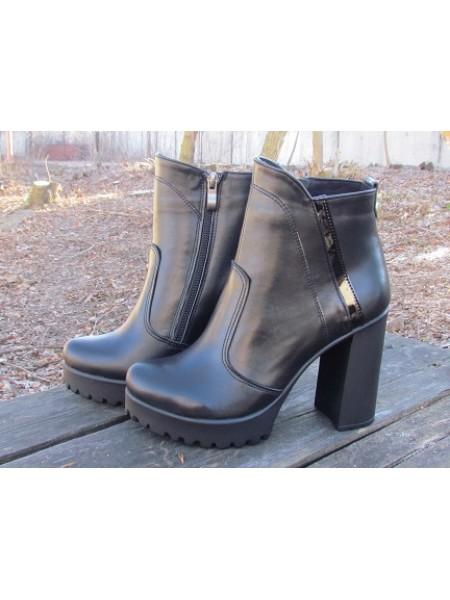 Женские ботинки Haries 787/5 кожа черный