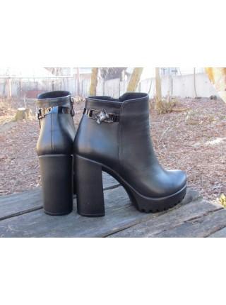 Женские ботинки Haries 230 кожа черный