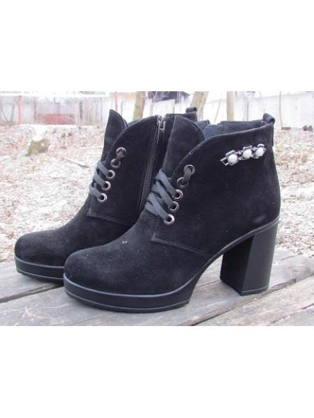 Женские ботинки Haries 37/4 замш черный